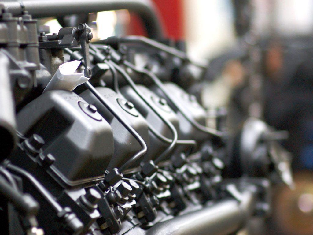 Какие звуки говорят о поломках в двигателе КАМАЗа?