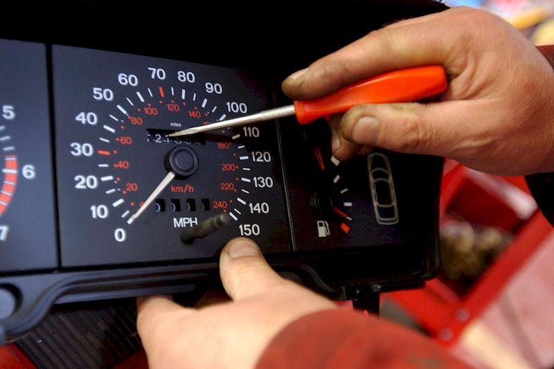 Как понять, что для продаваемого автомобиля был снижен пробег?